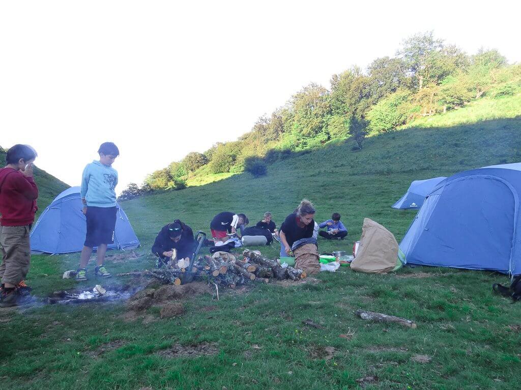 découvrir la cuisson en pleine montagne et les techiques de trappeurs