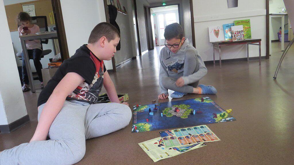 jouer à des jeux de société se détendre