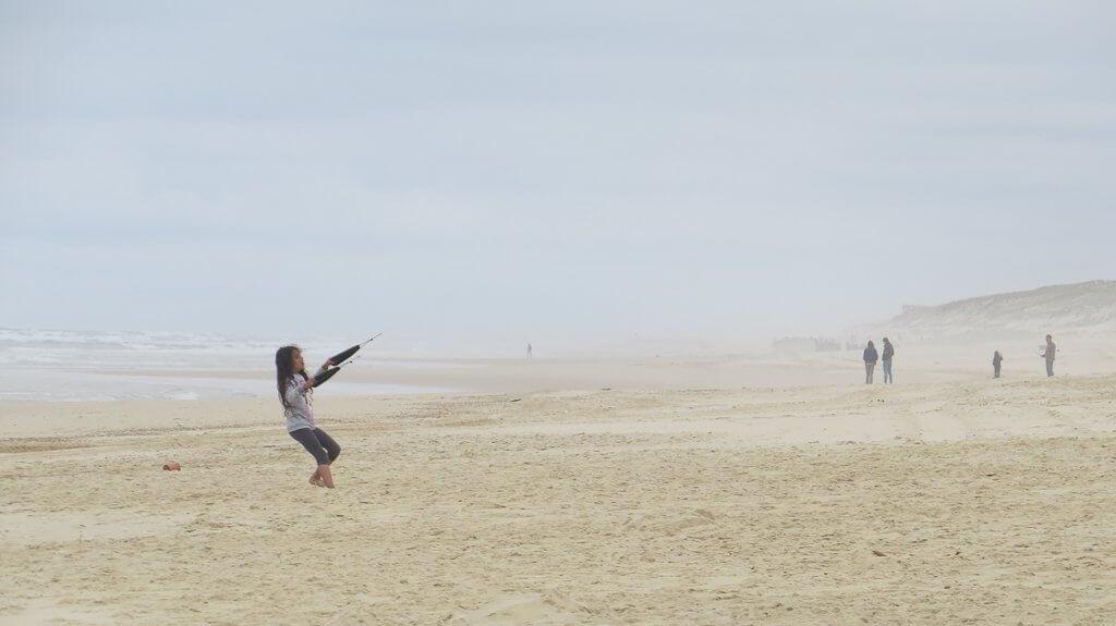 jouer avec un cerf-volant